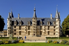 Le-Palais-Ducal-de-Nevers-scaled